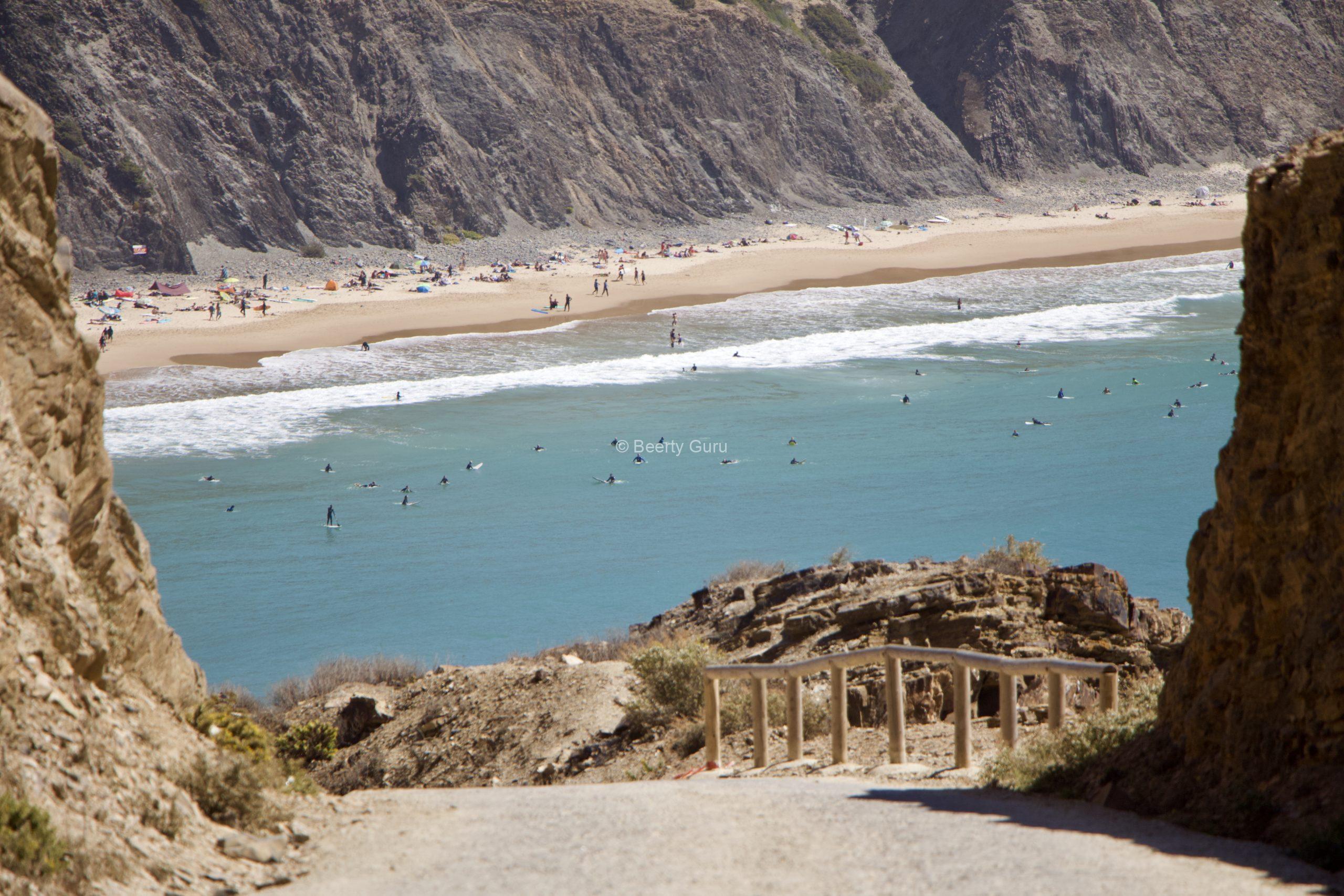 Arrifana karavanom – úžasné miesto na surfovanie v Portugalsku